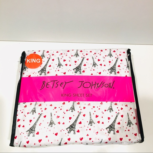 Betsey Johnson Other - Betsey Johnson 4 Piece Love Paris King sheet set